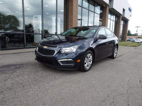 Pre-Owned 2015 Chevrolet Cruze LS FWD